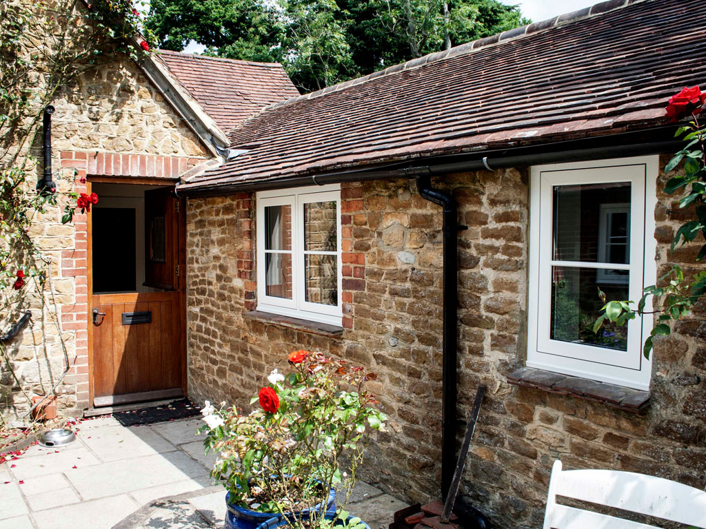best service f5073 f5000 Evolution Storm 2 Timber Alternative Cottage Style UPVC Windows