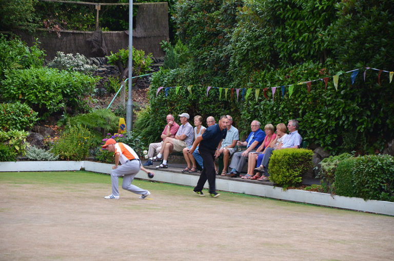 Lindley Bowling Club Tournament Begins
